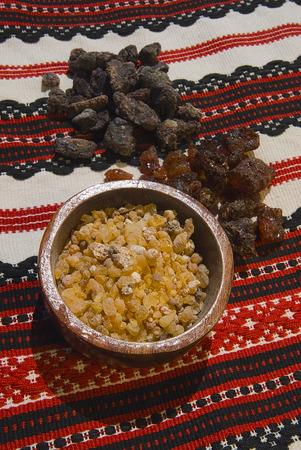 Different types of resins and incense; Frankincenso (Boswellia Papyrifera), Borena (Boswellia neglecta) e Opoponax (Commiphora erythraea). Archivio Fotografico