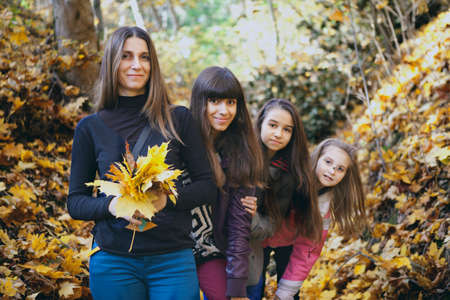 Madre e tre figlie