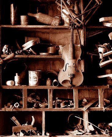 violin making: Violin