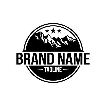 Paysage de montagne naturel moderne dans le logo du cercle