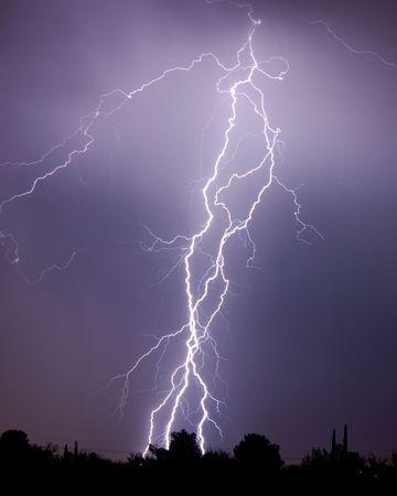 Lightning over desert Imagens