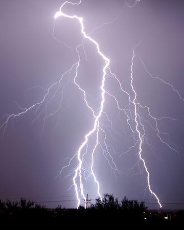 Lightning over desert Imagens - 2028259