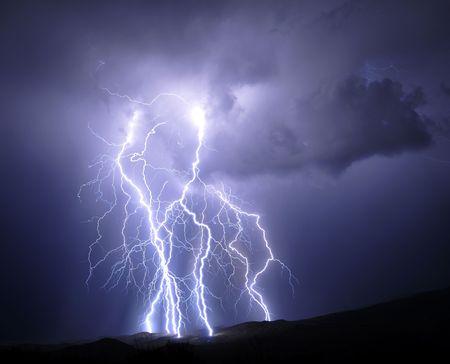 rayo electrico: Iluminaci�n de Tucson