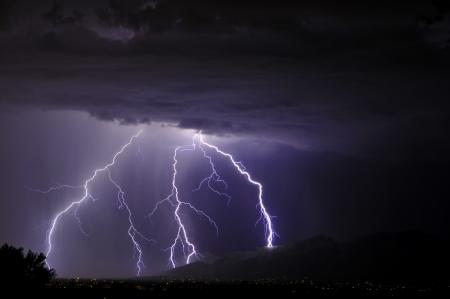 Blitze in der Tucson-Tal