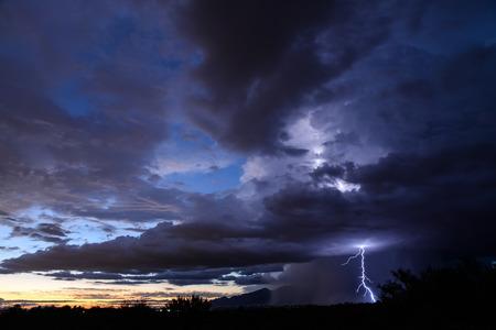 Tucson Sunset Lightning Imagens - 31394665