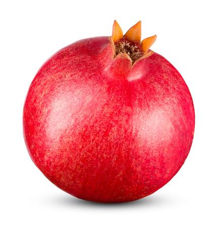 Hele granaatappel op een witte achtergrond