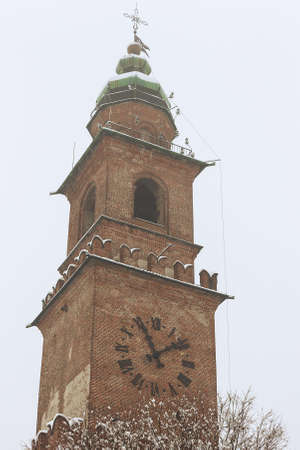 A walk in the historic center of vigevano with views of the Piazza Ducale and the sforzesco castle in Vigevano during a snowfall in 2012 Imagens