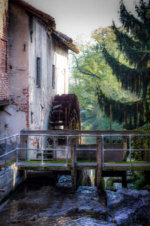 photo of a mill Imagens