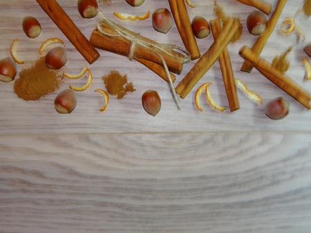 hazelnut tree: cinnamon and hazelnuts