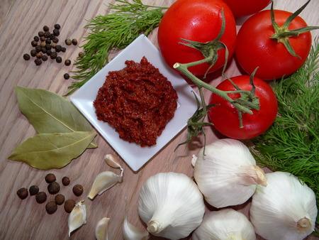 tomato sauce: salsa de tomate picante con verduras