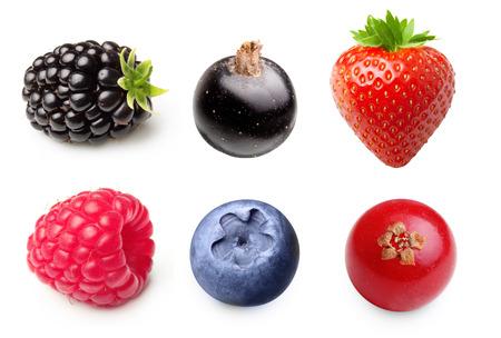 Bayas de verano. Frambuesa, fresa, arándano, mora aislado en fondo blanco Foto de archivo
