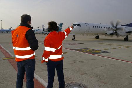departing: Plane departing