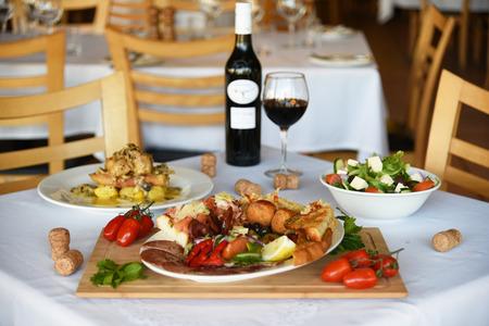 taste: the good taste of eating at restaurant