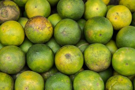 Fresh fruit green tangerine tamarin closeup view 版權商用圖片 - 120192650