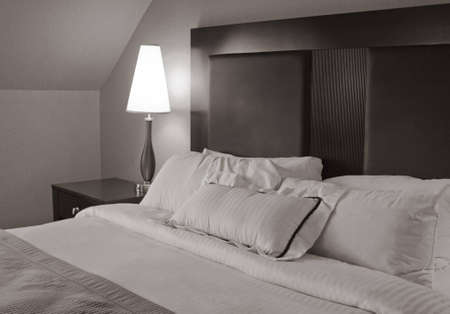 hotel bedroom: Luxurious hotel bedroom