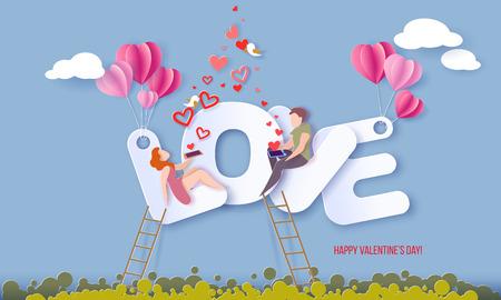 Tarjeta del día de San Valentín con pareja sentada en letras grandes AMOR y enviando corazones rojos con sus teléfonos inteligentes sobre fondo de cielo azul. Ilustración de arte de papel de vector. Corte de papel y estilo artesanal.