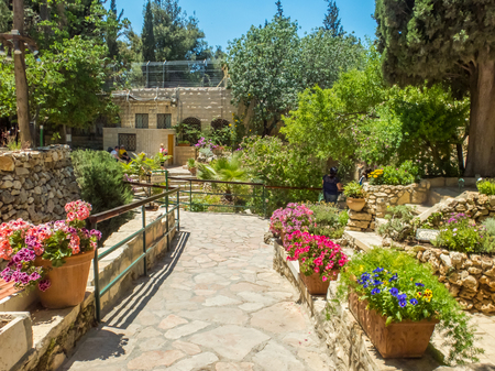 The Garden Tomb, tomb cut into the rock, site of pilgrimage for Christians, outside the walls of the Old City of Jerusalem, Israel 스톡 콘텐츠