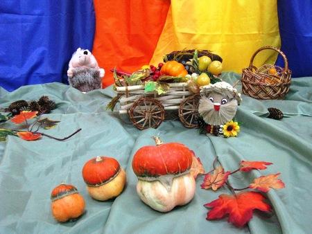 inter: Ukrainian Folk design composition. People design. Inter decoration. Childrens creativity.