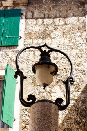 the broken street light