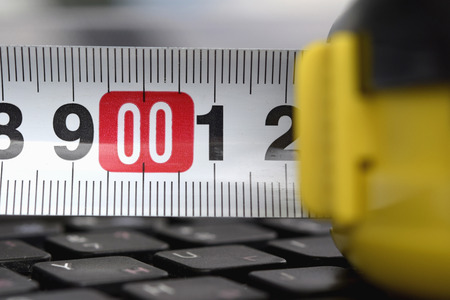 manual measuring instrument: The range on the keyboard. A zero report.