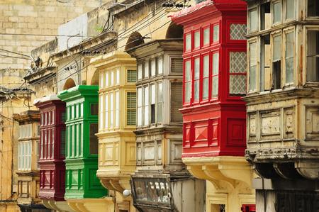 몰타의 섬에있는 주택의 Windows 특성