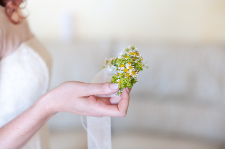 bracelet with flowers for the bridesmaids