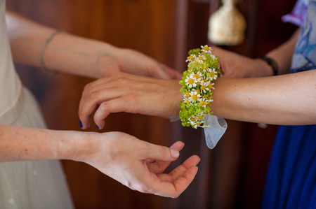 bracelet with flowers for the bridesmaids photo