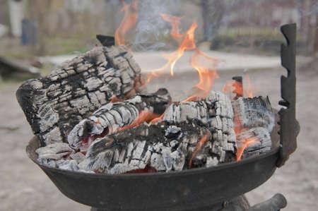 caldron: Coal burning in caldron