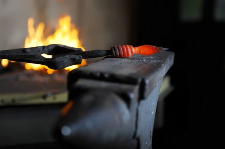 forge: Making a decorative pattern in the forge