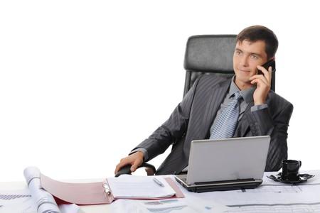 talking businessman: Hombre de negocios en la Oficina hablando por tel�fono. Aislados en fondo blanco  Foto de archivo