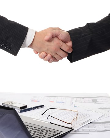 saludo de manos: Apret�n de manos de dos asociados de negocios  Foto de archivo