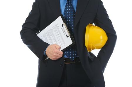 Hombre de negocios con casco de construcción