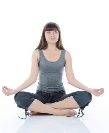 mani incrociate: donna di yoga