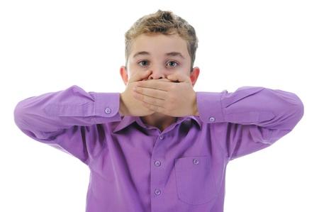 boca cerrada: Niño pequeño asustado Foto de archivo