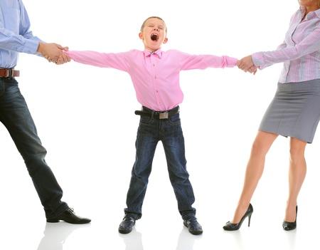 hiebe: Eltern teilen Kind. Lizenzfreie Bilder