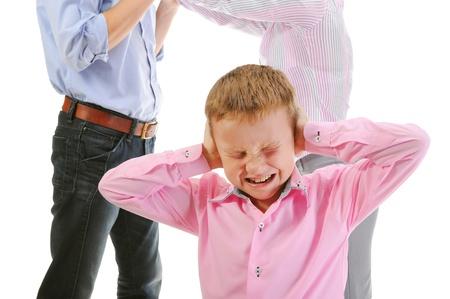 Parents share child. 版權商用圖片