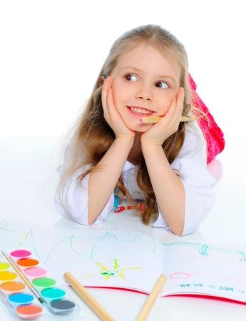 baby 4 5 years: Girl draws