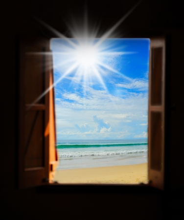 Sea view through an open window Standard-Bild