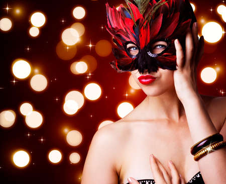 portrait of beautiful woman in carnival mask Foto de archivo