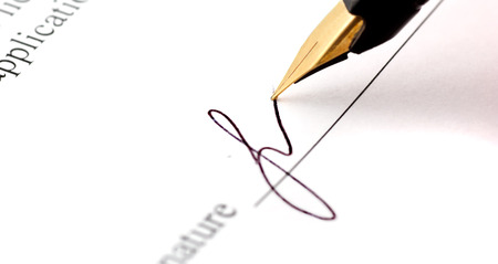 autograph: close-up of a fountain pen