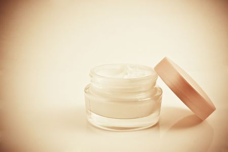 kosmetik: Cream f�r eine Stelle