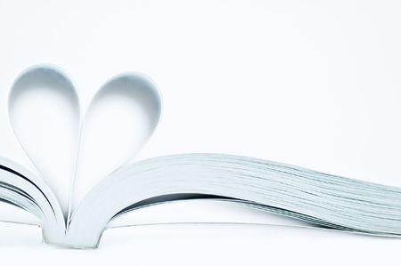 corazones azules: p�ginas de un libro curva en forma de coraz�n
