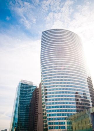 sky scrapers: Modern buildings with sun