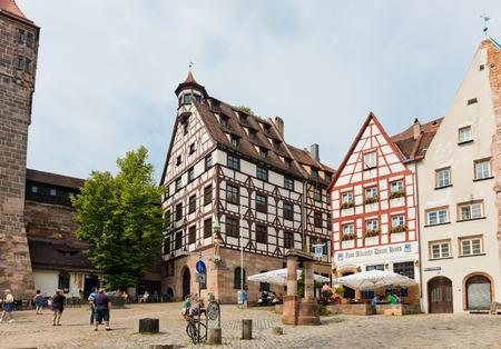 durer: Norimberga, Germania 22 luglio: Vista di giorno della Casa di Albrecht Durer a Norimberga, in Germania. Albrecht Durer comprato questa casa nel 1509, e visse qui fino alla sua morte nel 1528.