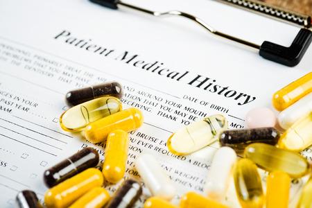 historia clinica: Documento de la historia m�dica con la medicina