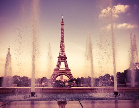 la tour eiffel: Eiffel Tower (La Tour Eiffel) with fountains. Beautiful sunset landscape in Paris. Instagram style filtred image Stock Photo