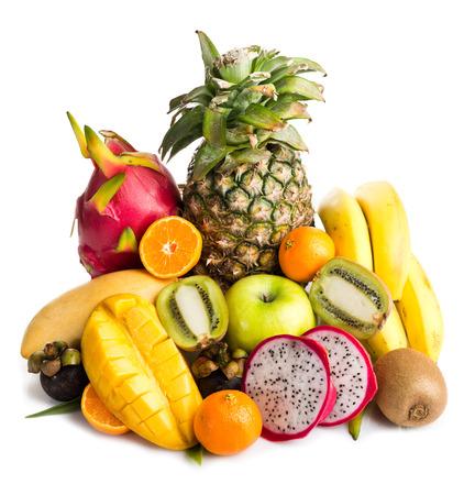 Composition de fruits exotiques isolé sur blanc
