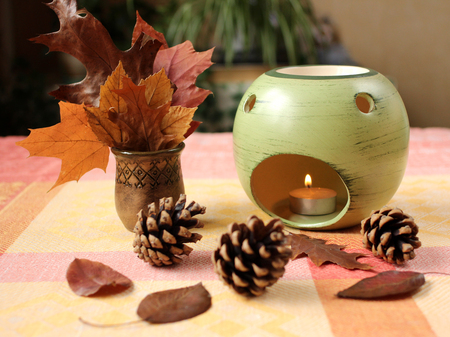 autumn arrangement: Home decor:  Autumn arrangement with aroma lamp