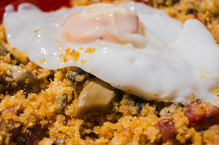 breadcrumbs: Breadcrumbs and egg, typical dish in Aragon, Spain