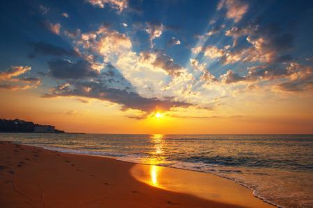 Belle nuage sur la mer